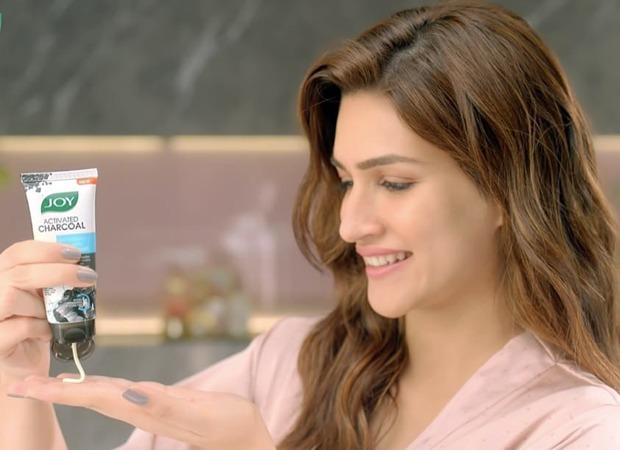 Joy Personal Care signs Kriti Sanon as brand ambassador for their facewash range : Bollywood News - Bollywood Hungama