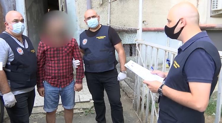 Police detain 4 drug dealers, seize large quantity of heroin, methadone