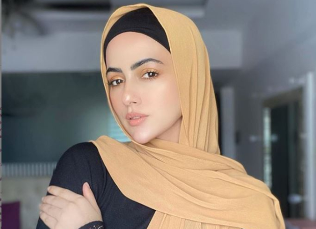 Sana Khan quits showbiz lifestyle; says she will 'serve humanity and follow the order of her Creator' : Bollywood News - Bollywood Hungama