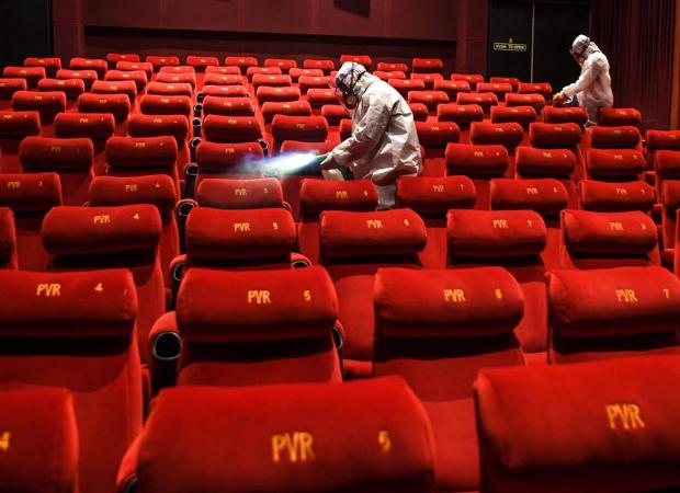 BREAKING: Maharashtra to re-open cinema halls from November 5 at 50 % occupancy : Bollywood News - Bollywood Hungama