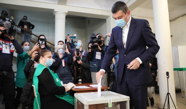 PM Gakharia tests positive for coronavirus