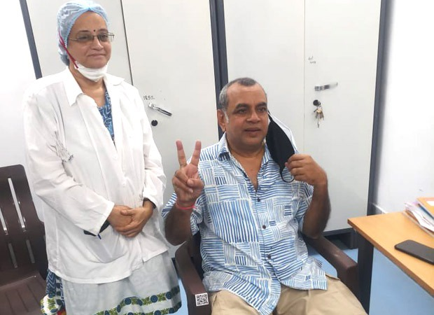 Paresh Rawal takes the first dose of COVID-19 vaccination; thanks health workers and scientists : Bollywood News - Bollywood Hungama