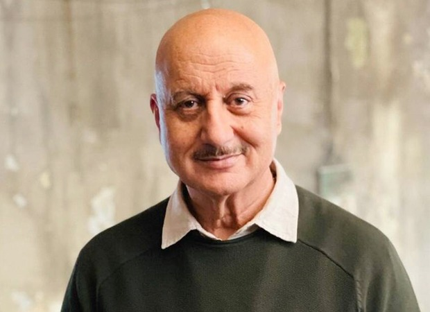 Anupam Kher's Project Heal India donates oxygen concentrators & BiPAP machines to BMC amid COVID-19 crisis : Bollywood News - Bollywood Hungama