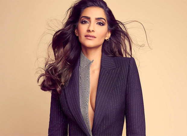 As India fights Covid, Sonam Kapoor Ahuja appeals to people to donate and save lives : Bollywood News - Bollywood Hungama