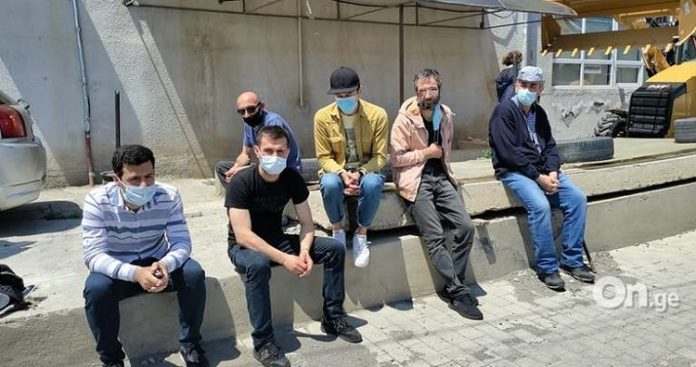Protesters demanding compensation from Georgian Manganese gather at US Embassy in Tbilisi