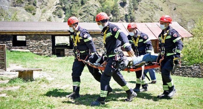 Rescuers save shepherd in Akhmeta municipality